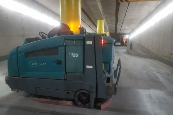 window-butler-ottawa-commercial-garage-cleaning-sweeping-1